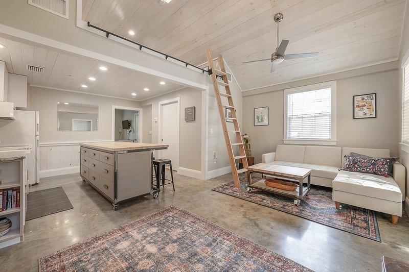 'Hand & Home' - Artist's Guesthouse for 7, location de vacances à Tampa