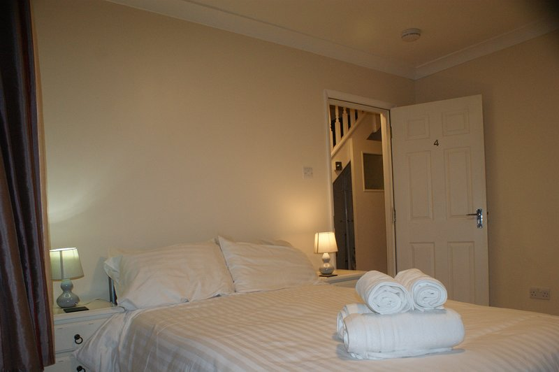 Beautiful Refurbished Home in the Heart of Portsmouth City,Beach & University, holiday rental in Portsmouth