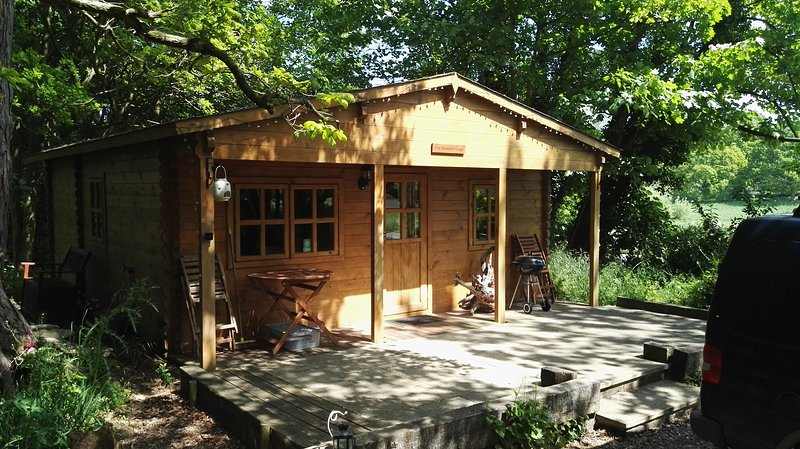 The Woodland Lodge at West Stow Pods (Two bedrooms), location de vacances à Bury St. Edmunds