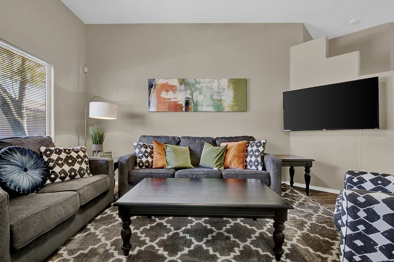3/2 Family House King Beds Near Sports Shopping, alquiler vacacional en Peoria