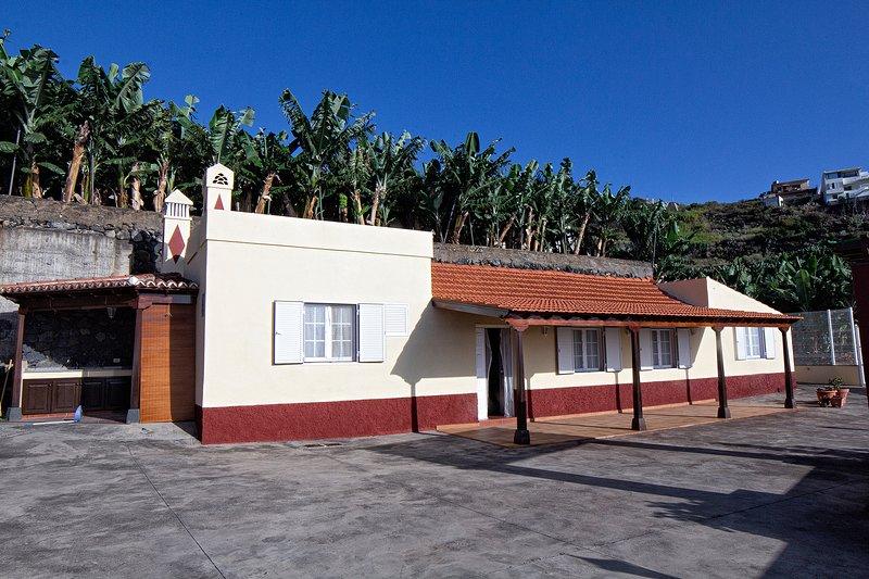 CUESTA EL PLANTO – ACOGEDORA CASA CANARIA CON DOS HABITACIONES EN FINCA PLATANER, holiday rental in San Andres y Sauces