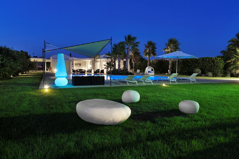 Villa Persefone with swimming pool and panoramic view, holiday rental in Camemi