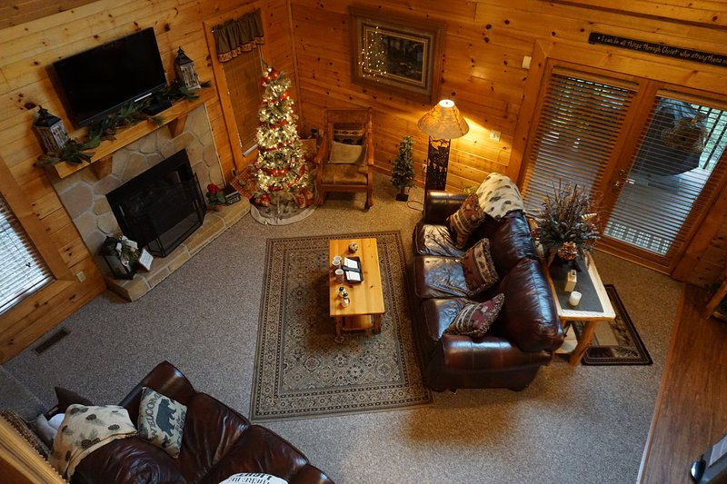 Let There Be Light Cabin; Minutes to Dollywood and The Island, vacation rental in Pigeon Forge