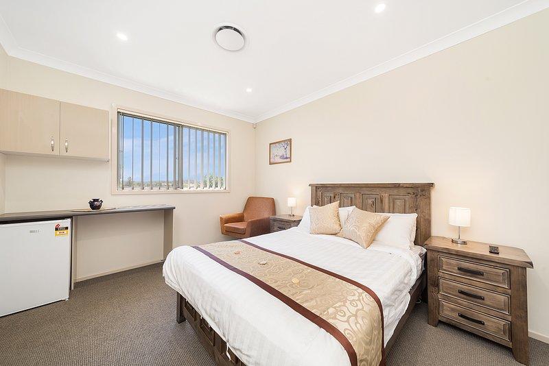 Marulan Stayz - Superior Room 9 with Ensuite, aluguéis de temporada em Goulburn