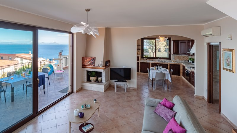 Villa Charme, holiday rental in Brolo