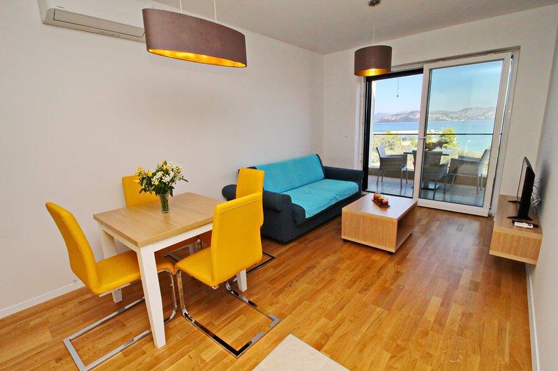 Apartments Kula - One Bedroom Apartment with Balcony and Sea View C3, casa vacanza a Janjina