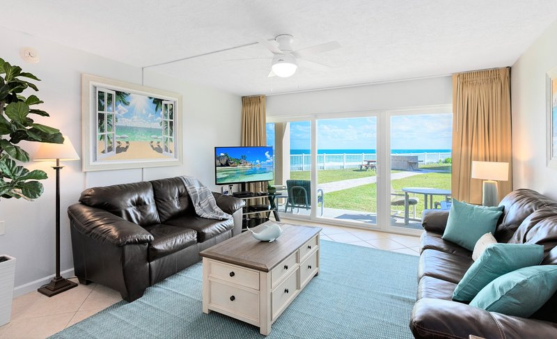 Oceanfront...Ground Floor...Amazing Ocean Views ... Large HD LED Plasma TV's, holiday rental in Palm Shores