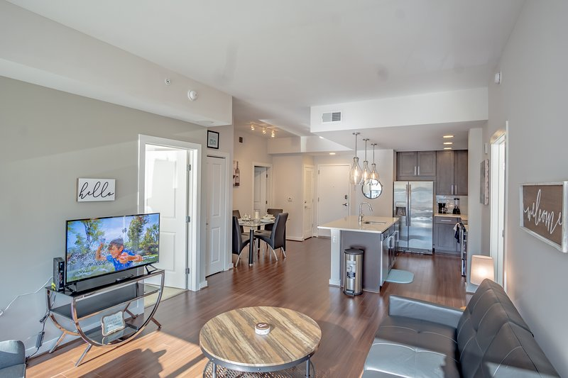 2 Bedroom Fully Furnished Buckhead Apartment, vacation rental in Norcross
