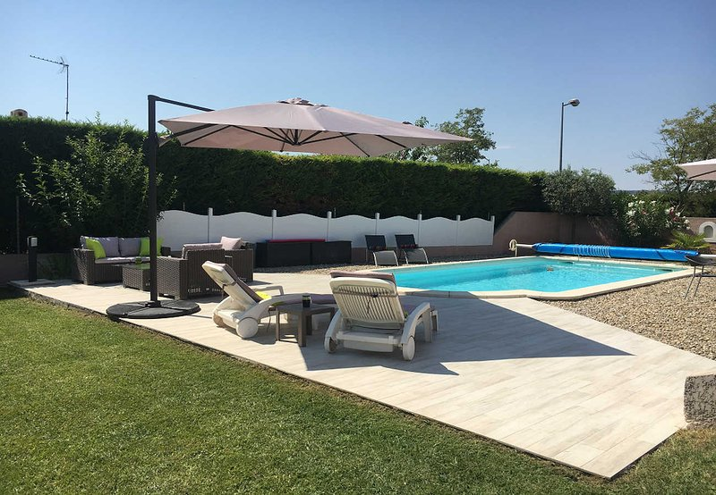 Holiday house in Salon-de-Provence, Private pool, holiday rental in Pelissanne