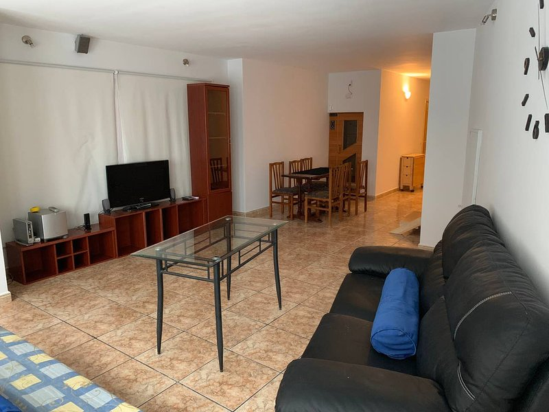 Beautiful apt in  & Wifi, vacation rental in Andorra la Vella