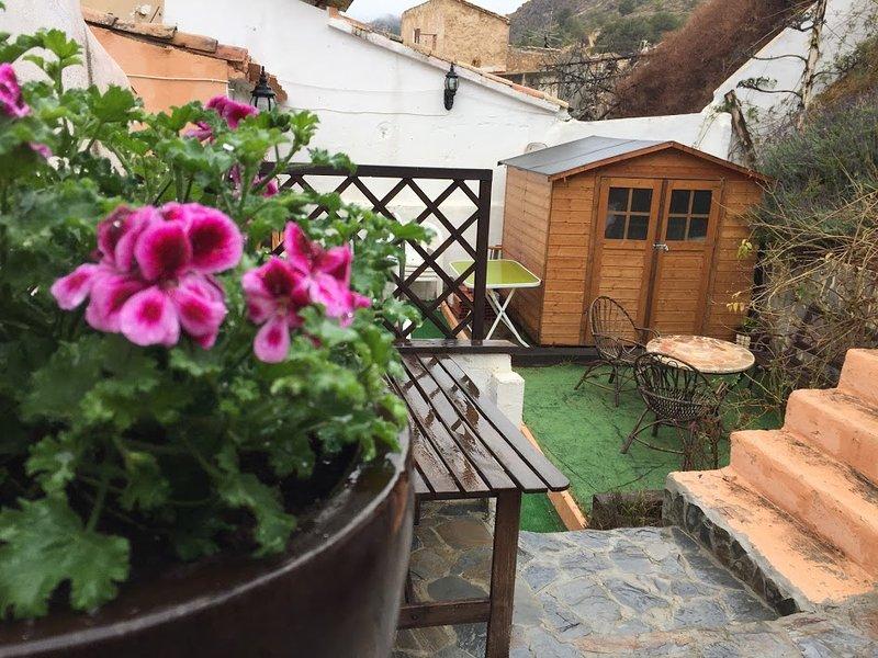 ALQUILER CASA DE PUEBLO ALICANTE, holiday rental in Pedralba
