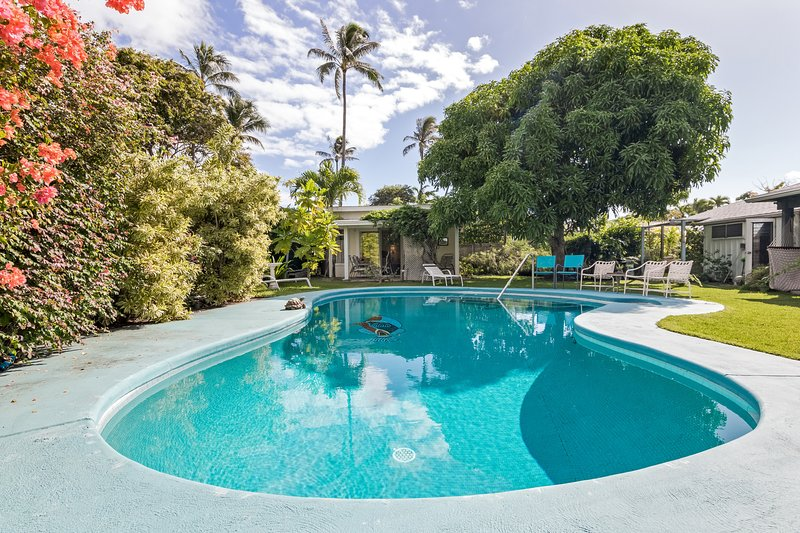 Tropical Garden Studio  - Pool on property, vacation rental in Lanikai