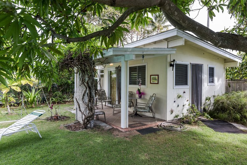 Tropical Garden Cottage, vacation rental in Lanikai