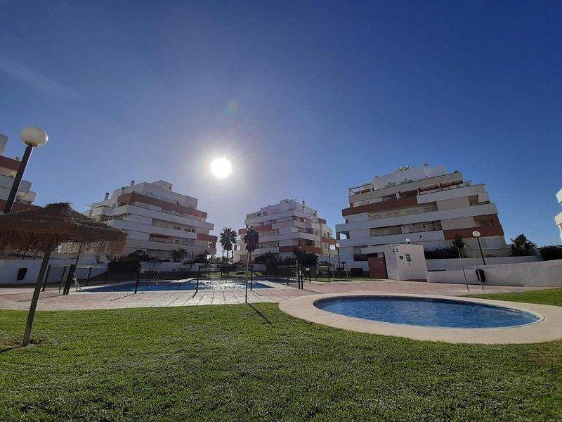 Apartment Serena Beach, the best beach in Roquetas de Mar., alquiler de vacaciones en Roquetas de Mar