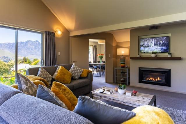 Wonderful Spacious social areas with great views towards lake and Remarkable mountains