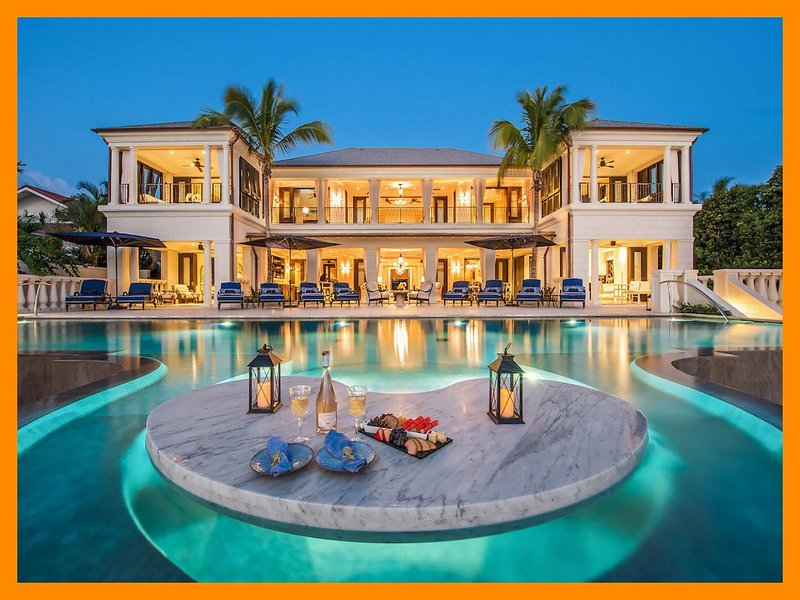 Seaclusion - Waterfront mansion - Infinity pool, holiday rental in Fitts