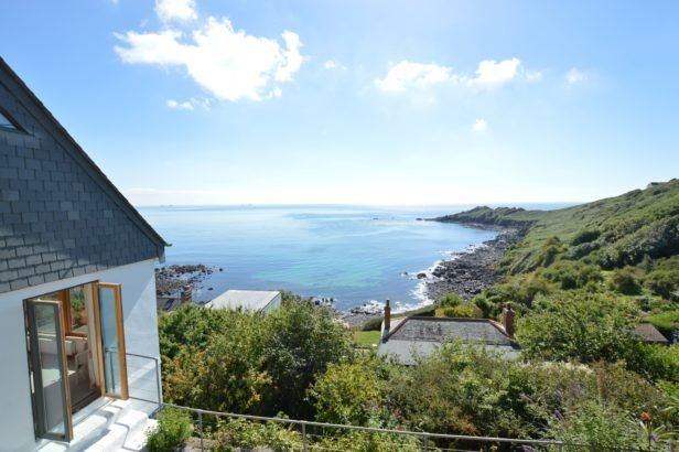 Dolphins, vacation rental in Coverack