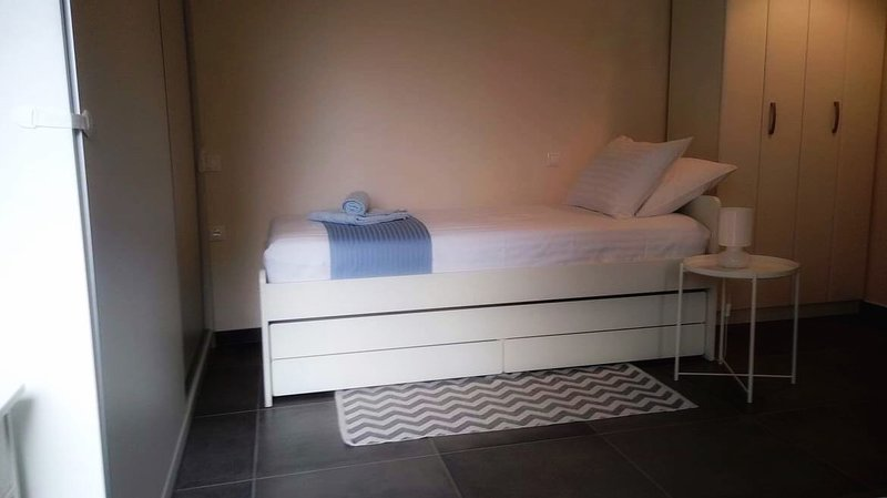 Athens International Airport Studio with Parking and Garden, vacation rental in Penteli