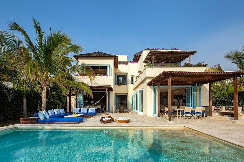 Car071 - Beautiful 5 bedroom villa with pool in Cartagena, location de vacances à Isla Grande
