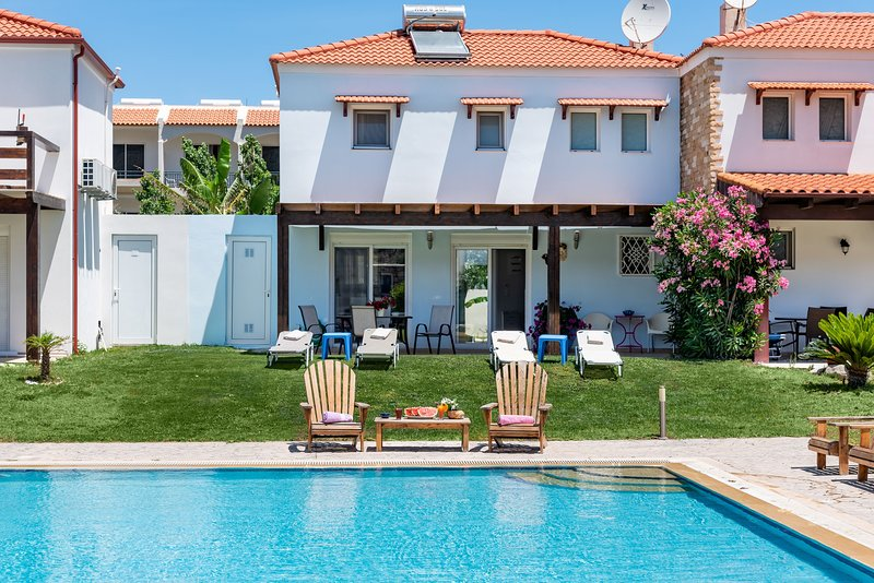 Posidonia Villas - The Blue House, holiday rental in Kolympia
