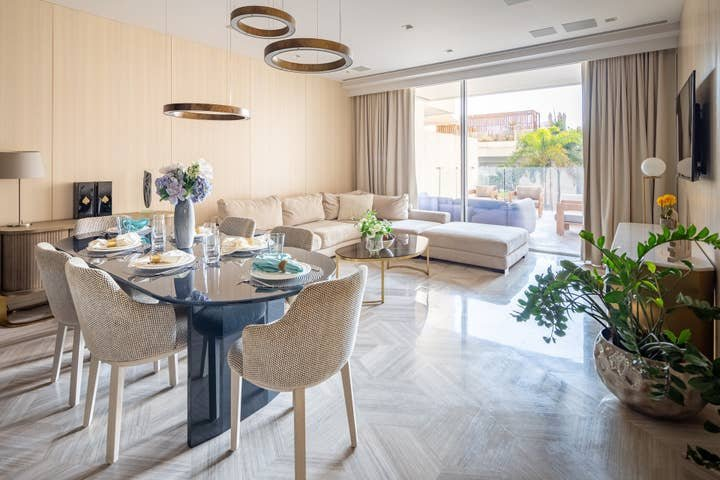 Impeccable 2BR Beachfront Apt. on The Five Hotel!, holiday rental in Jebel Ali