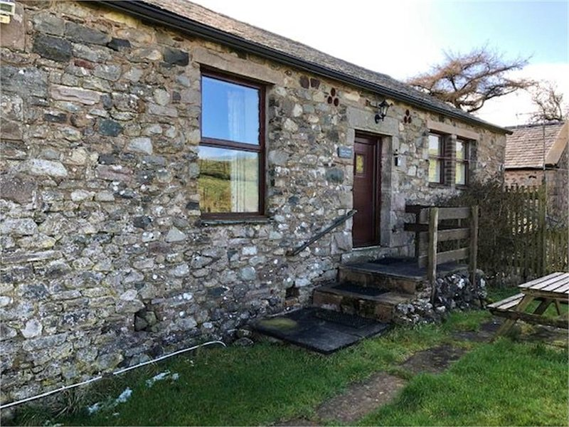 Crag Barn- Sleeps 4, vacation rental in Dockray