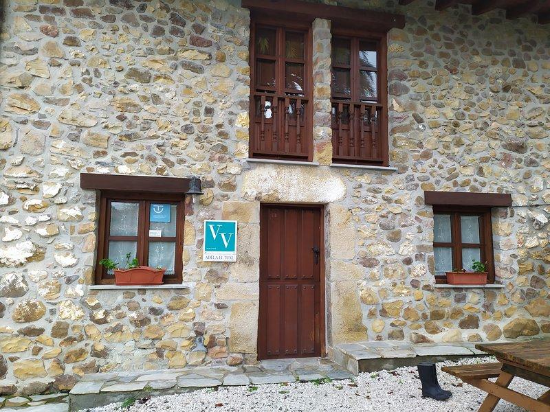 casa de alquiler íntegro 4 pax vivienda vacacional adela el tuxu, holiday rental in Soto de Cangas