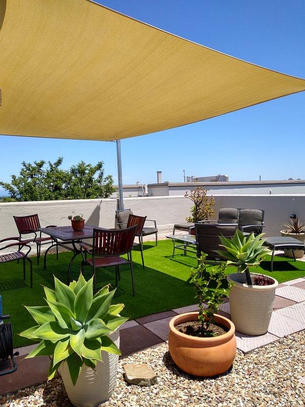 Dachterrasse mit Sonnensegel