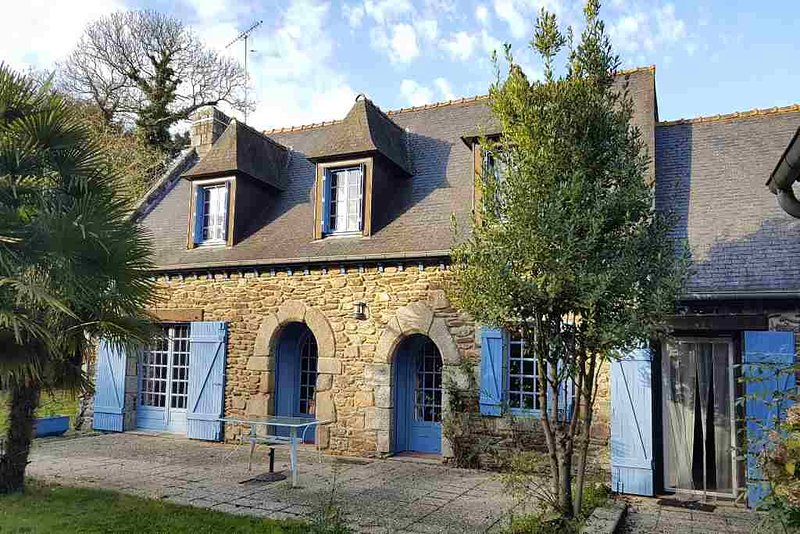 La Croix famliy holiday great location for walking, cycling and fishing!, vacation rental in Saint-Mayeux