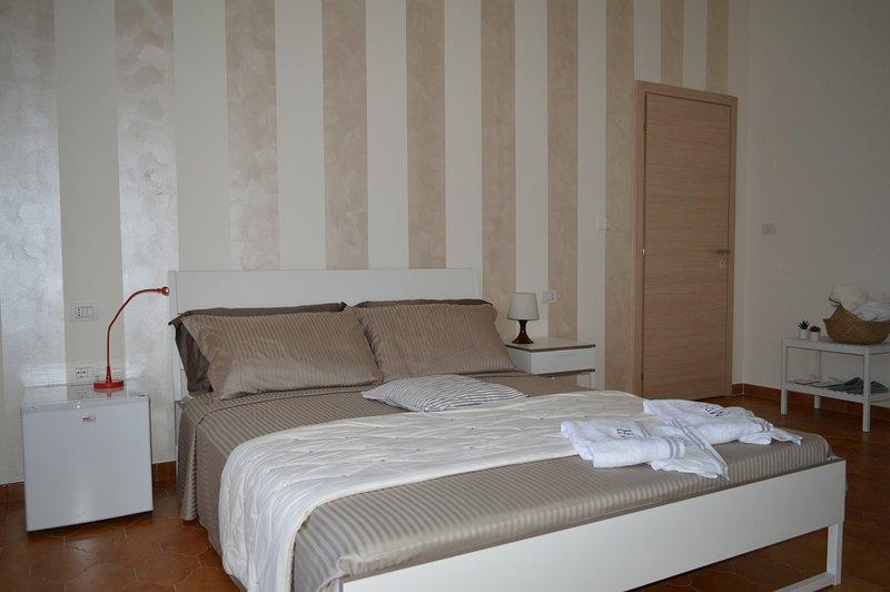 White beach Le Castella - Room 1, alquiler de vacaciones en Botricello