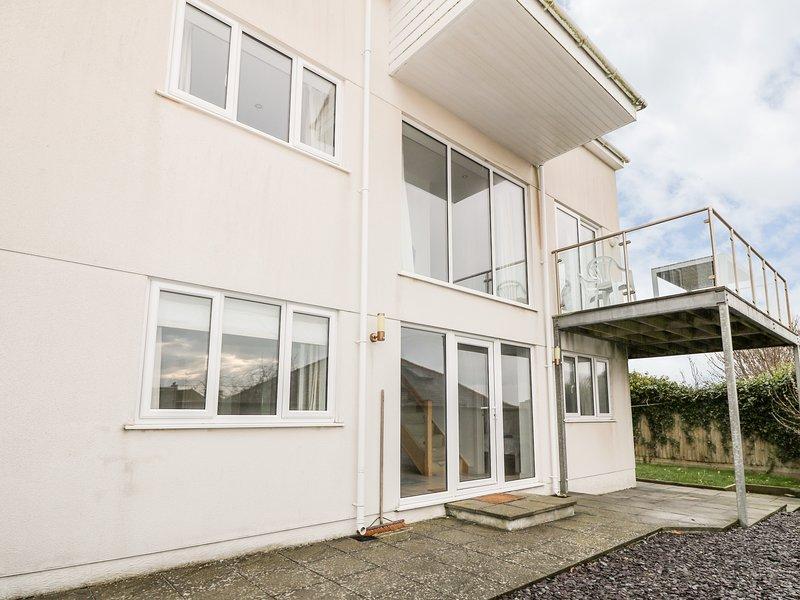 RHANDIR MWYN sea views, enclosed garden, pet-friendly, in Rhosneigr, Ref 27057, vacation rental in Rhosneigr