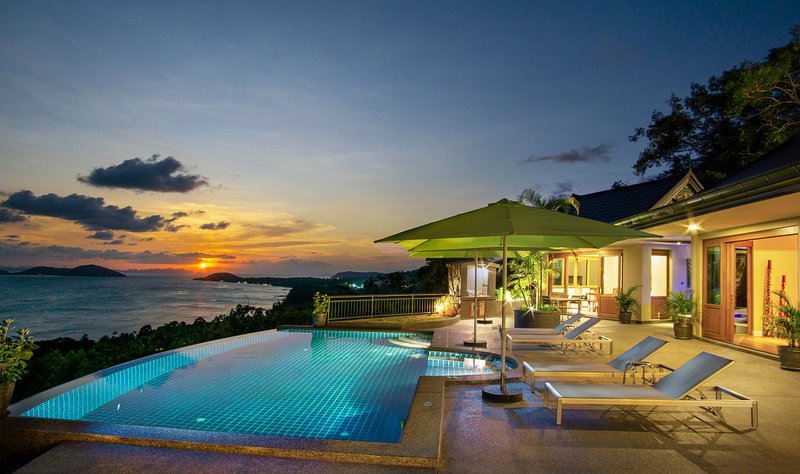 Ocean View, Private 2 Bed Luxury Villa with Infinity Pool, Jacuzzi and FREE CAR, vacation rental in Laem Set