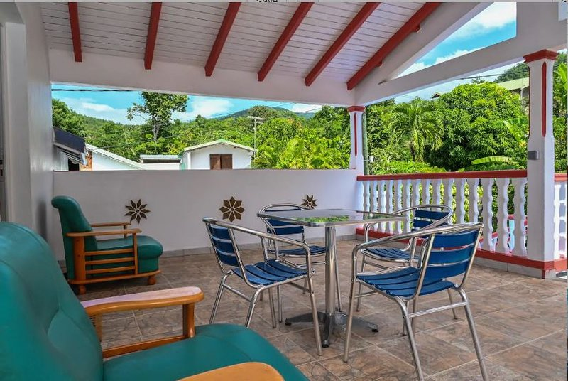 Nice property with sea view & Wifi, vacation rental in Marigot
