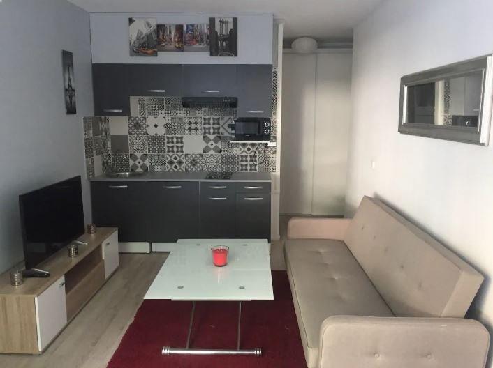 Beautiful studio in Paris & Wifi, aluguéis de temporada em Montrouge