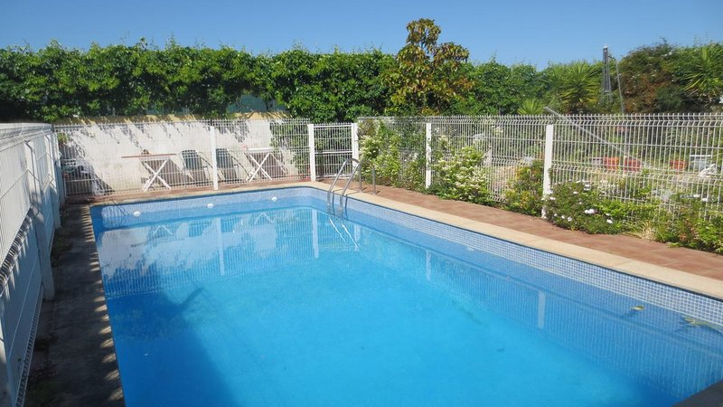 Spacious villa with swimming-pool, vacation rental in Azeitao