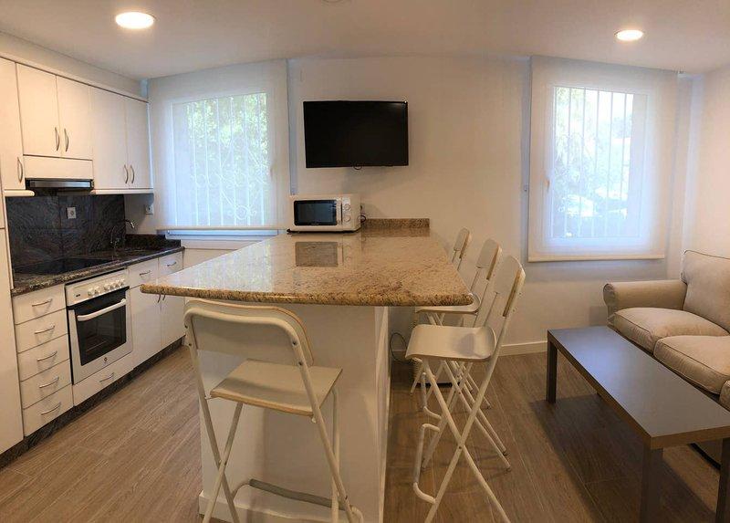 Apartment - 36 km from the beach, location de vacances à O Milladoiro