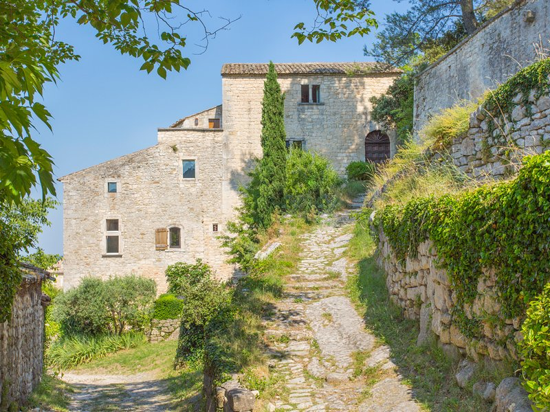 Oppede Chateau Sleeps 10 with Pool - 5049397, vacation rental in Mazan