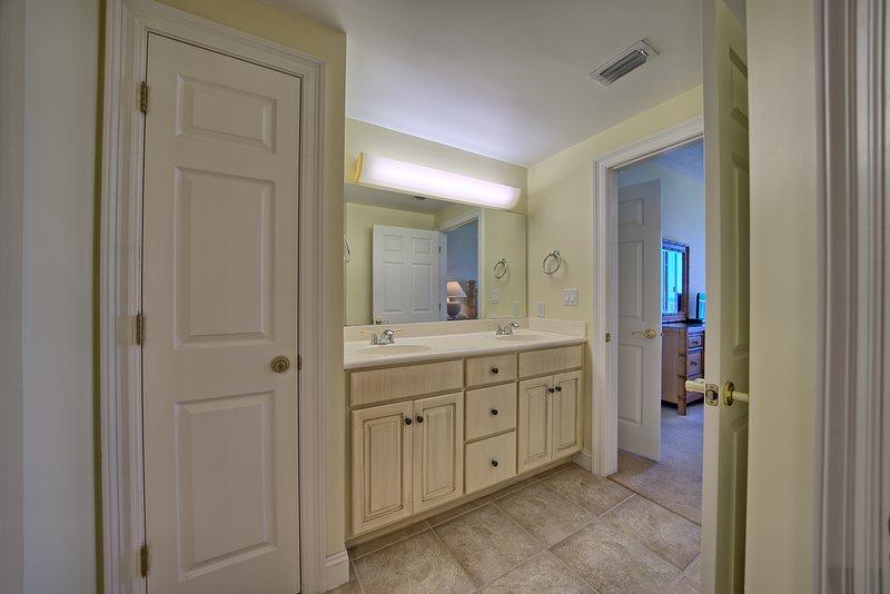 Flooring,Floor,Door,Hardwood,Double Sink