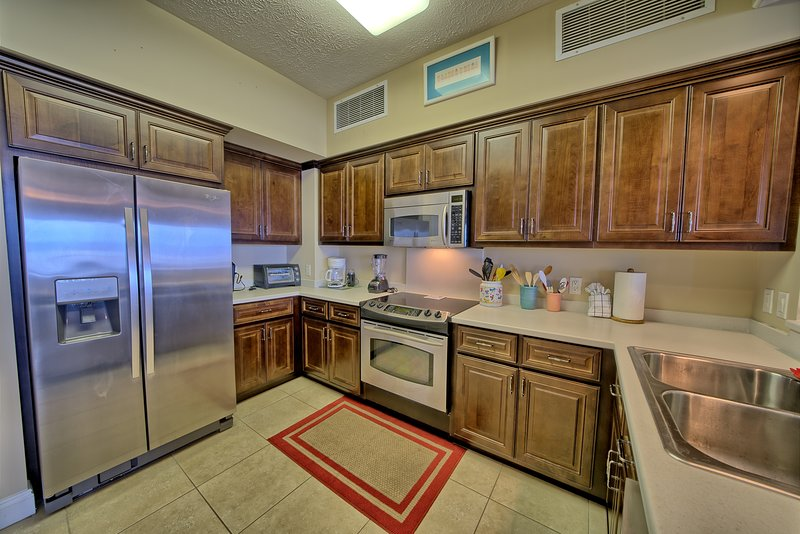 Room,Indoors,Flooring,Kitchen,Furniture