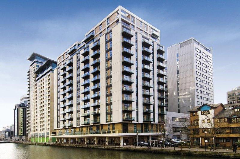 Appartements de luxe à Londres, Canary Wharf, vue la plus spectaculaire sur la rivière avec balcon.