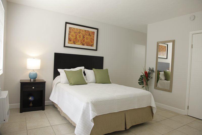 Miami Modern Studio # 2 Mimo, holiday rental in Miami Shores