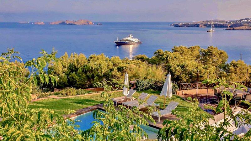 Sant Joan de Labritja Villa Sleeps 12 with Pool and Air Con - 5789824, holiday rental in Port de Sant Miguel