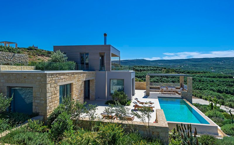 Fournados Villa Sleeps 4 with Pool Air Con and WiFi - 5604893, holiday rental in Kaliviani