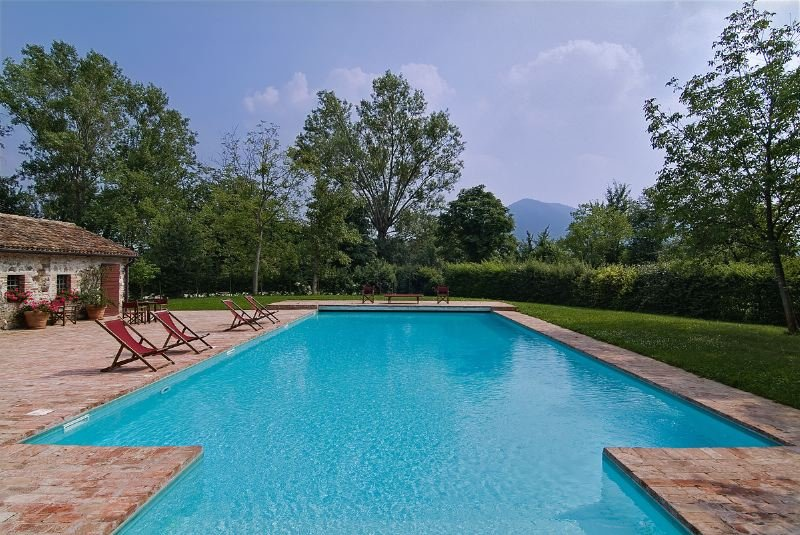 Rovolon Villa Sleeps 12 with Pool Air Con and WiFi - 5679802, vacation rental in Luvigliano