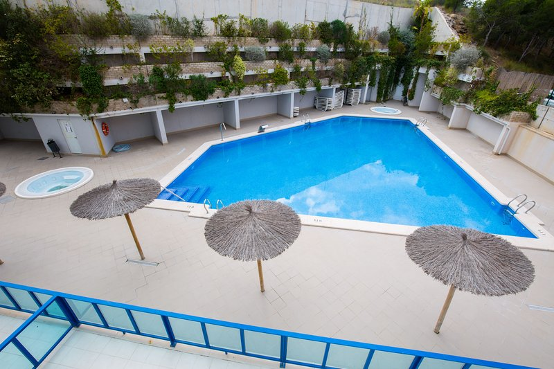 Alicante Hills Larger 2 Bed Apartment, holiday rental in San Isidro de Albatera