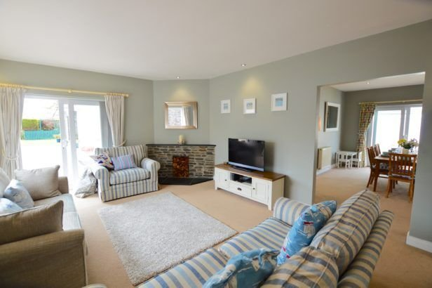 Seven Bays House, holiday rental in St Merryn