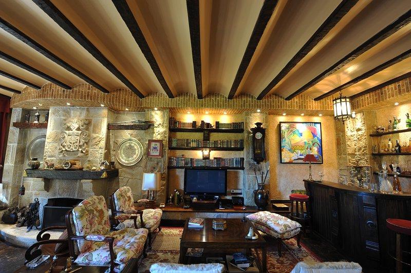 Basque Vintage Palace: Una experiencia inolvidable, holiday rental in Larrabetzu