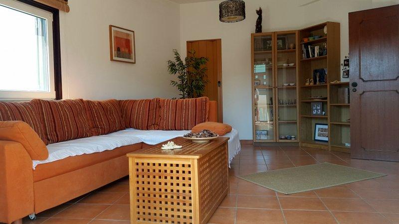 Cozy T2 Apartment - Sesmarias T2, holiday rental in Sesmarias
