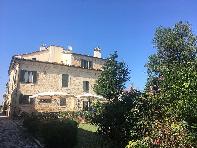 Appartamento vacanze  a Novilara (Pesaro) Antico borgo fortificato, holiday rental in Carpegna