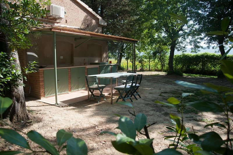 Beautiful studio with shared pool, vacation rental in Selvatelle